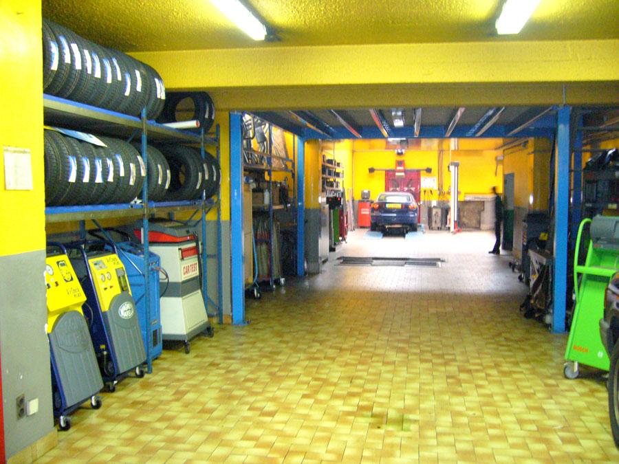 Atelier de r paration automobile conception carte lectronique cours - Location de garage pour reparation ...